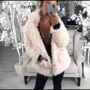 🆕DAPHNE Cream Fur Jacket